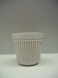 Bloempot in wit nummer 430 A / Planter in white number 430 A