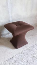 Bruine poef of hocker 38 cm. jaren zeventig / Brown pouf or hocker 15 inch seventies