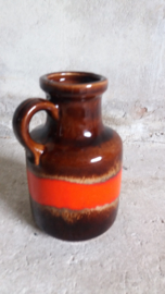Kan in rood en bruin design Fabiola / Jug in red and brown design Fabiola