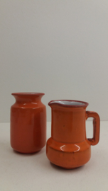 Setje van een  vaasje en kannetje oranje / Set of little vase and jug orange