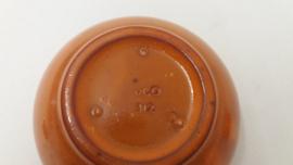 Setje asbakken in oranje glazuur  / Set ashtrays in orange glace