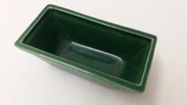 Een plantschaaltje in groen. / Little planter in green.