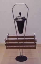 Retro lektuur bak met asbak / retro newspaper basket with ashtray