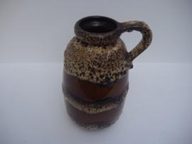 Mooie kan bruine banden en fatlava / Beautifull jug brown and fatlava