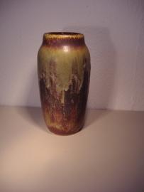 Groene vaas met fatlava in bruin en zwart 22 cm.