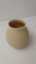 Kleine vaas in beige nummer 1003 / Nice small vase in beige number 1003