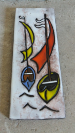 Ruscha wandbord met scheepjes. / Ruscha  wall tile with boats.
