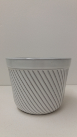 Bloempot in wit ribbel nummer 2045-2 / Planter in white rib number 2045-2