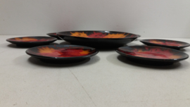 Taartschaal met bordjes in de stijl van Italy / Cakedish with small dishes.