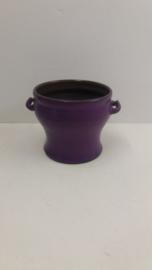 Speck paars met oortjes 12.5 x 17 cm. / Purple with little handles 4.9 x 6.7 inch.