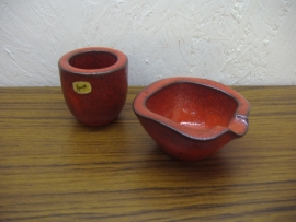 Ravelli Asbak en sigaretten koker rood / Ravelli Ashtray and sigaret cup in red