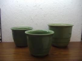 Set bloempotten in groen met een spikkel / Set planters in green with a spot
