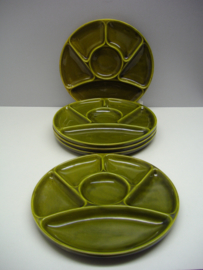 Fondue bord in oud groen 23cm. / Fondue plate in old green 9.1 inch.