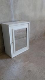 Medidijn kastje wit met spiegel en sleutel / Medicin cabinet white with mirror and key