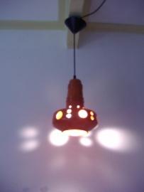 Plafondlamp oranje keramiek. / Ceiling lamp in orange ceramics
