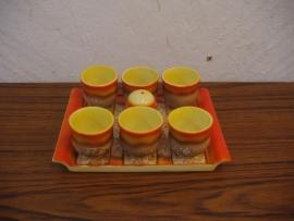 Set eierdopjes in plateel oud / Set egg-cups in faience old.