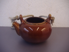 Theepotje in bruin 8.5 x 13 cm. / Tea pot in brown 3.3 x 5.1 inch.