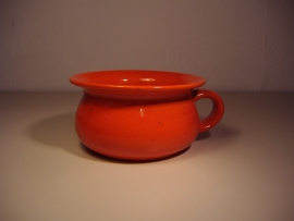 Po of bedpan in oranje 16 cm. / Po in orange 6.3 inch.