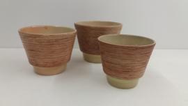 3 potten met  grove structuur nr. 2117 / 3 jars with coarse relief  nr. 2117