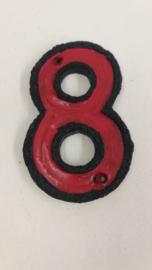 Huisnummer 8 zwart met rode glazuur. / Housenumber 8 black with red glace