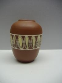 Leuke vaas van Sawa 12 cm. / Nice vase by Sawa 4.7 inch.