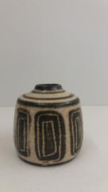 Bronkhorst klein vaasje grove glazuur / Bronkhorst small vase in coarse glace