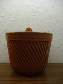 Oranje hangpot ribbel nr. 2045 / Orange hanging planter ribs nr. 2045