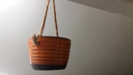 Jan de Graaf oranje hangpot / Jan de Graaf orange hanging planter