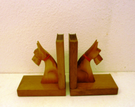 Boekensteuntjes met hondjes / Bookends with dogs