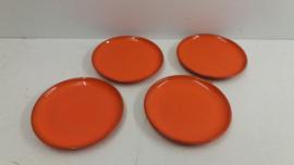 Fel oranje bordjes 15.5 cm. / Bright orange little plates 6.1 inch.