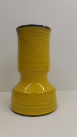 Zware gele vaas van Speck potterie?  / Heavy yellow vase by Speck pottery?