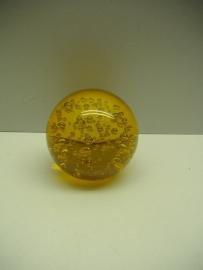 Glaskogel of Presse Papier in bruin. / Glass bulb or Paperweight in brown