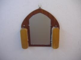 Hal spiegeltje met kleding borsteltjes / Little hall mirror with clothes brushes