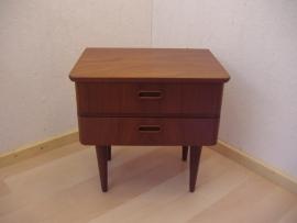 Jaren 50tig laden kastje Teak / Fifties drawer in Teak