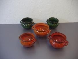 Speck set bloempotjes met oortjes . / set little planters with handles .