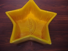Gele puddingvorm stermodel 15 cm. / Yellow pudding mold star model 5.9""