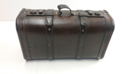 Luxe opbergkoffer met lederen handvat / Luxery case with leather closures
