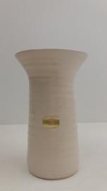 Vaas in wit van Jan de Graaf / Vase in white by Jan de Graaf