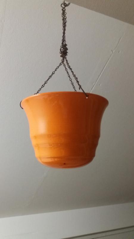 Planthanger in oranje nummer 2111 / Hanging planter in orange number 2111