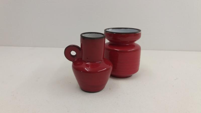 Setje in rood met wit van binnen / Little set in red and white inside
