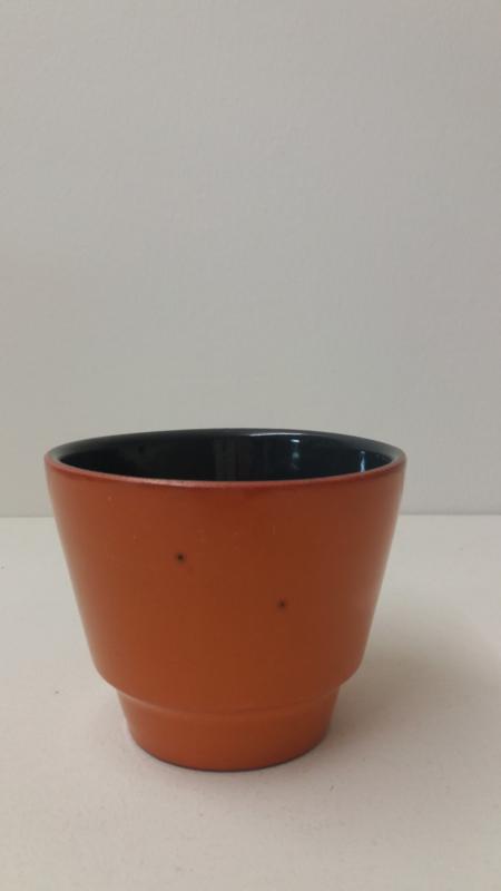 Bloempotje in oranje  nr. 2117 maat 1 / Little planter in orange nr. 2117 size 1