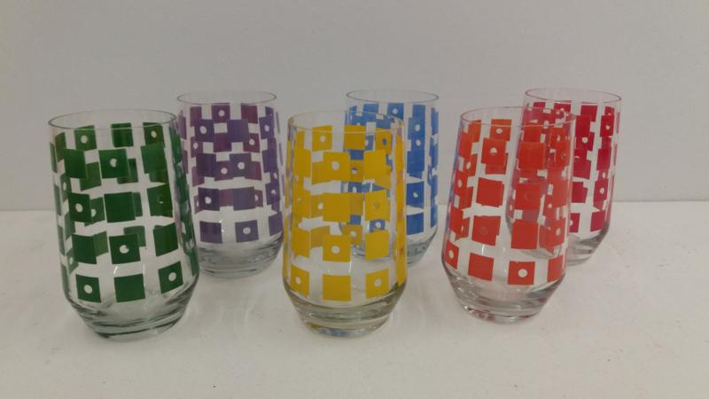 Glashütte 6 gekleurde fruitglazen / Glashütte 6 colored fruit glasses