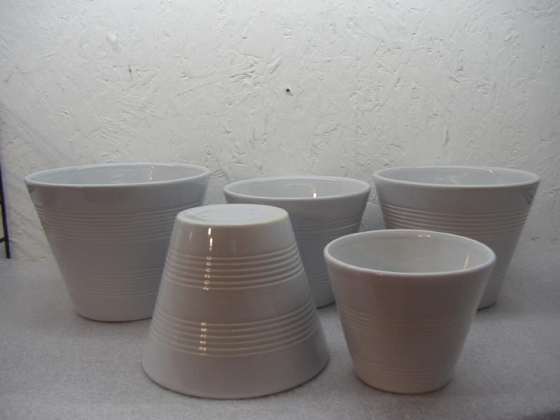 Set van 5 grijze potten in nummer 2059 / Set 5 gray planters in number 2059