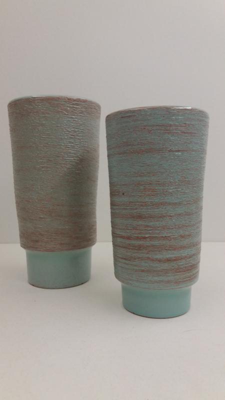 2 vazen blauw geborstelde uitvoering 1075 / 2 vases blue with brushed execution 1075