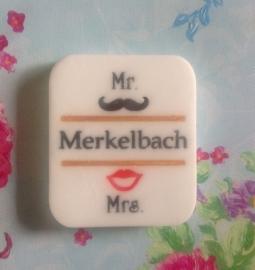 Mr.&Mrs. mal of stempel met eigen naam