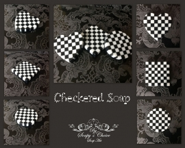 Checkered mold