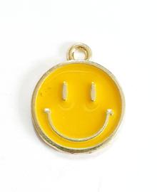 Bedel smiley geel goud 19x16 mm