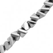 Facetkraal triangle zilver labrador 4x3 mm 150 stuks