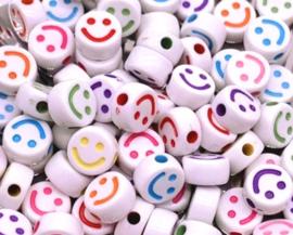 Letterkraal smiley wit mix multicolor 10 mm