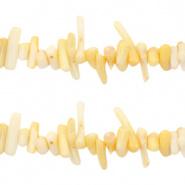 Ocean Bamboo kralen tender yellow 4-18 mm